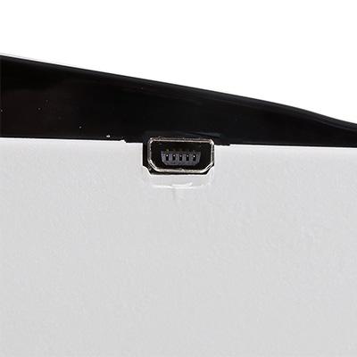 Порт mini-USB вблизи